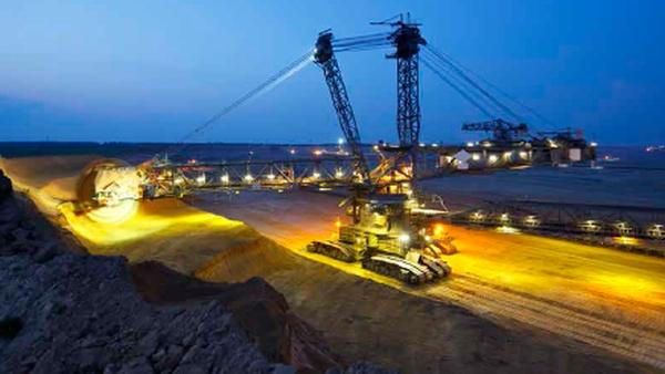 Transformarea digitala este o prioritate doar pentru 31% dintre companiile din sectorul minier si al prelucrarii metalelor