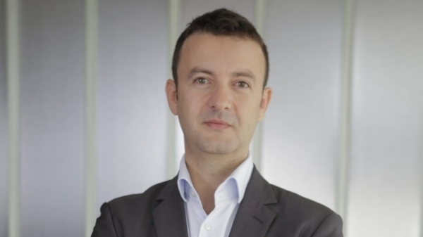 Horatiu Cocheci si Nicoleta Dumitru, consultanti in domeniul capitalului uman, se alatura EY Romania