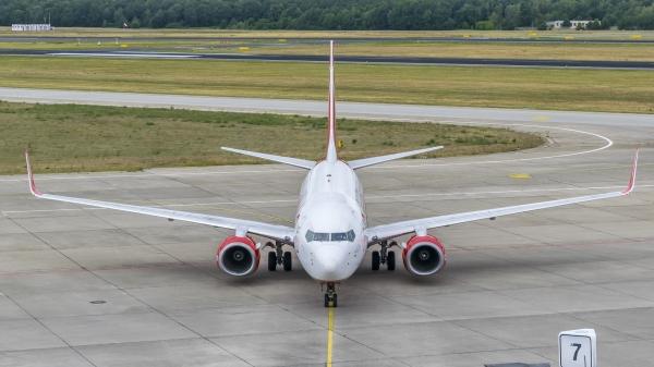 Tarom a semnat contractul pentru achizitia a 2 aeronave noi Boeing 737-800 NG