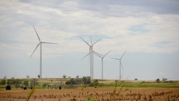 ENEL sells the majority stake in two wind farms in the US, but will still manage the two plants