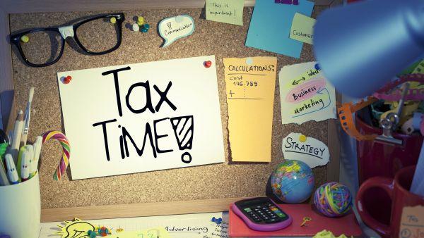 Povara fiscala pentru salariat versus PFA: ce se schimba de la 1 ianuarie 2018?