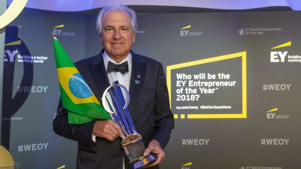 The new EY World Entrepreneur of the Year ™ is Rubens Menin, President of the Brazilian MRV Engenharia