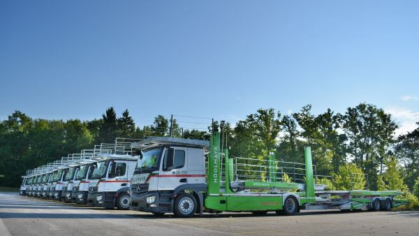 Hödlmayr Romania expands its fleet with 24 new vehicle conveyors