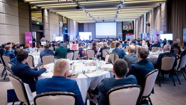 Conferinta Business (r)Evolution de la Bucuresti, Digitalizarea - Trend sau Tsunami?  Cum transforma digitalizarea economia Romaniei