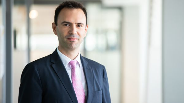 Cristian Carstoiu, EY: Advanced Machine Learning solutions offer tangible opportunities to banks and employees alike, but their adoption seems to be slower than expectations