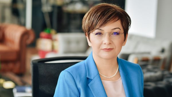 Cristiana Fernbach sets up the first Romanian law firm 100% specialized in new technologies
