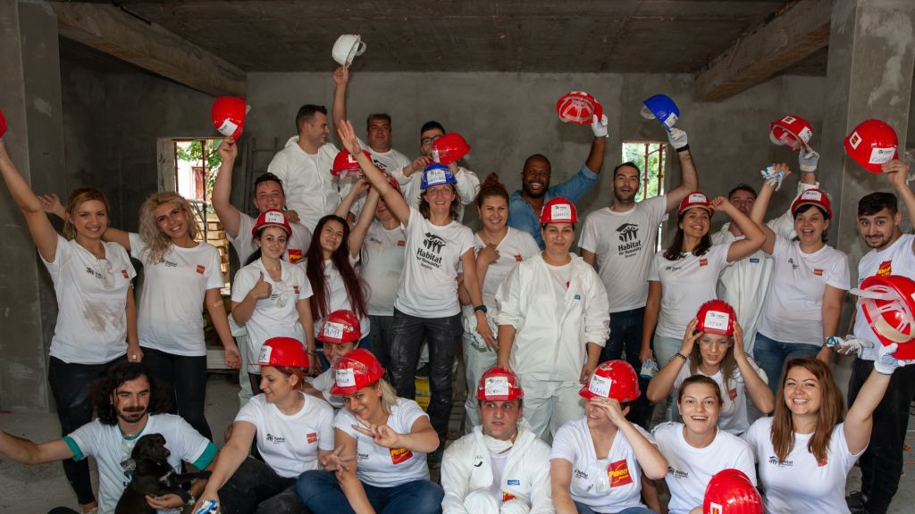 Teambuilding on site: PENNY Market employees, volunteers on the Habitat for Humanity site in Buftea