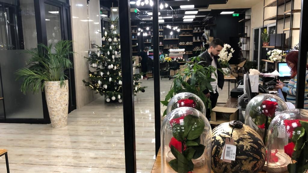 FlorideLux.ro opened the largest flower shop in Romania, following an investment of 90,000 euros
