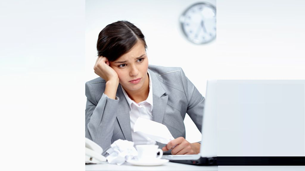 BestJobs poll: Eight out of ten women sacrifice their rest time to have enough time for work and family