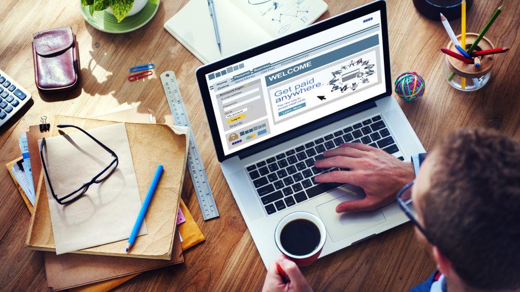 Munca de acasa fara laptop de serviciu – o scurta perspectiva a protectiei datelor cu caracter personal