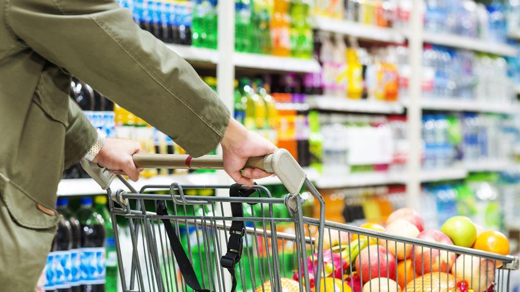 PwC Consumer Pulse: Peste 50% dintre consumatori sunt preocupati de economisire si sunt atenti la preturi