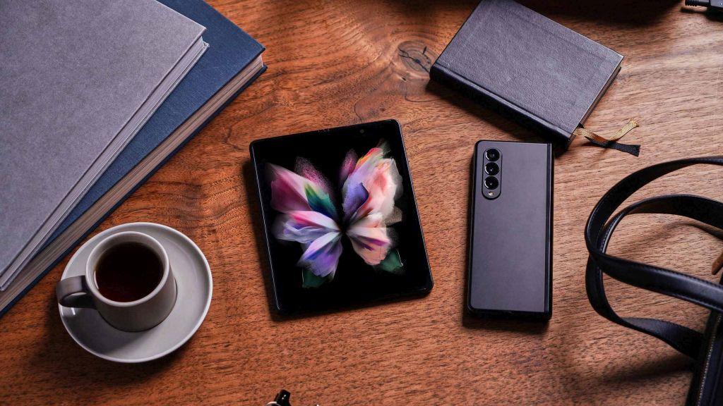 Noile Galaxy Z Fold3 5G si Galaxy Z Flip3 5G sunt disponibile pentru precomanda la Vodafone Romania